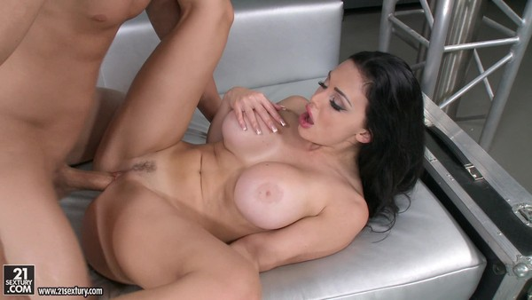 Young dude seduced into sex stunning brunette
